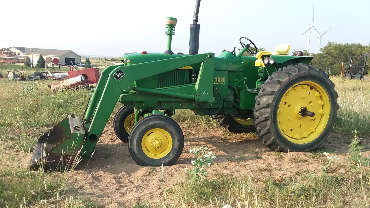 Item 9 in FARM MACHINERY AUCTION gallery
