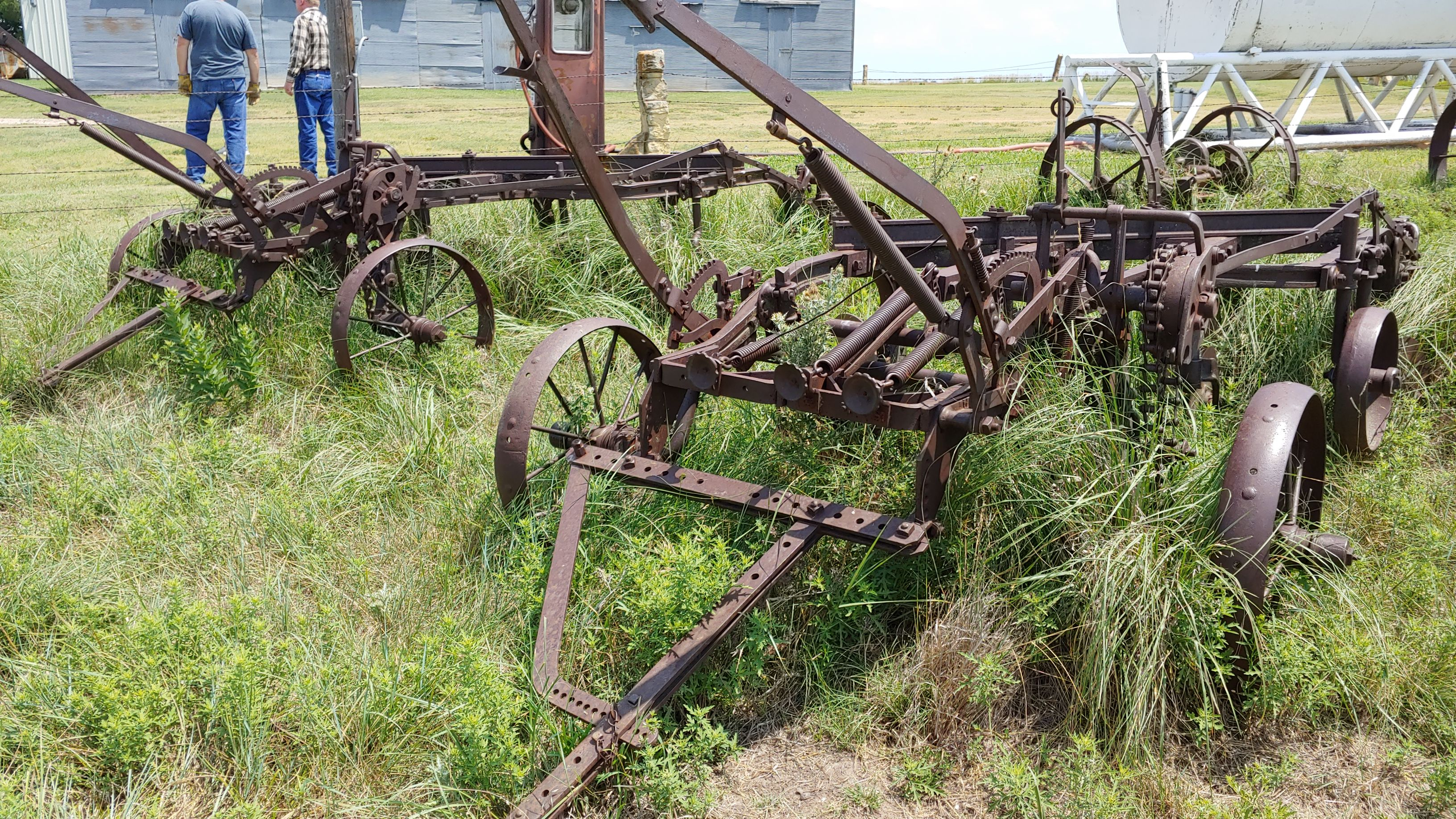Item 66 in FARM MACHINERY AUCTION gallery