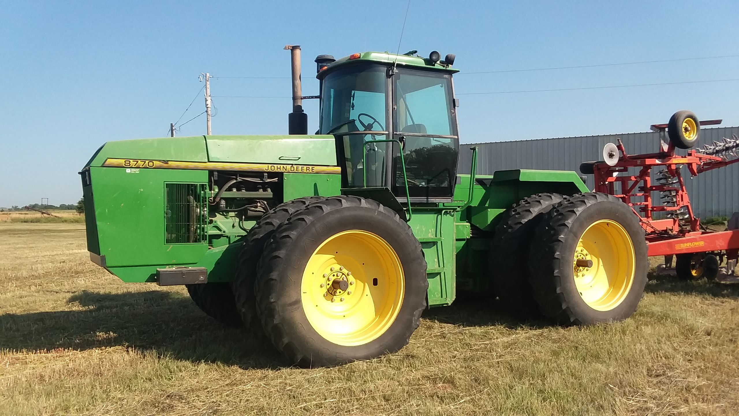 Item 8 in FARM MACHINERY AUCTION gallery