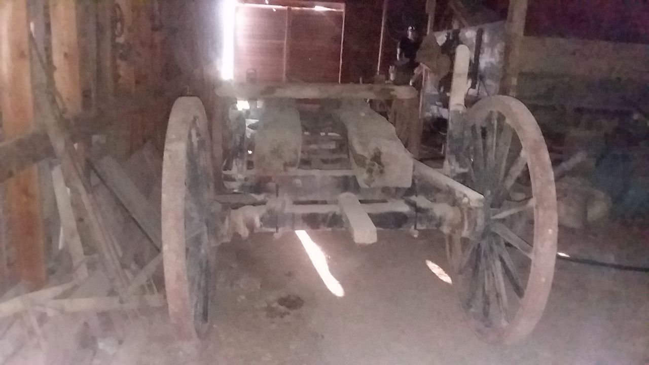 Item 6 in FARM MACHINERY AUCTION gallery