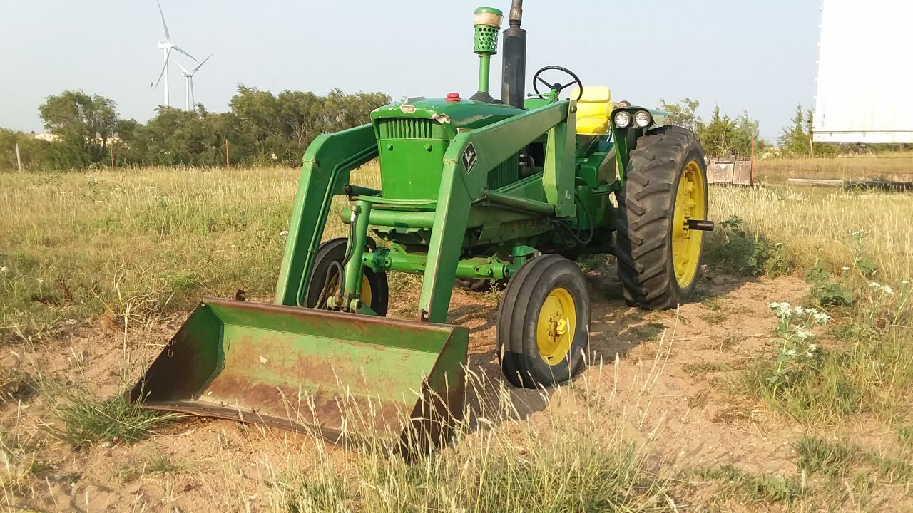 Item 46 in FARM MACHINERY AUCTION gallery