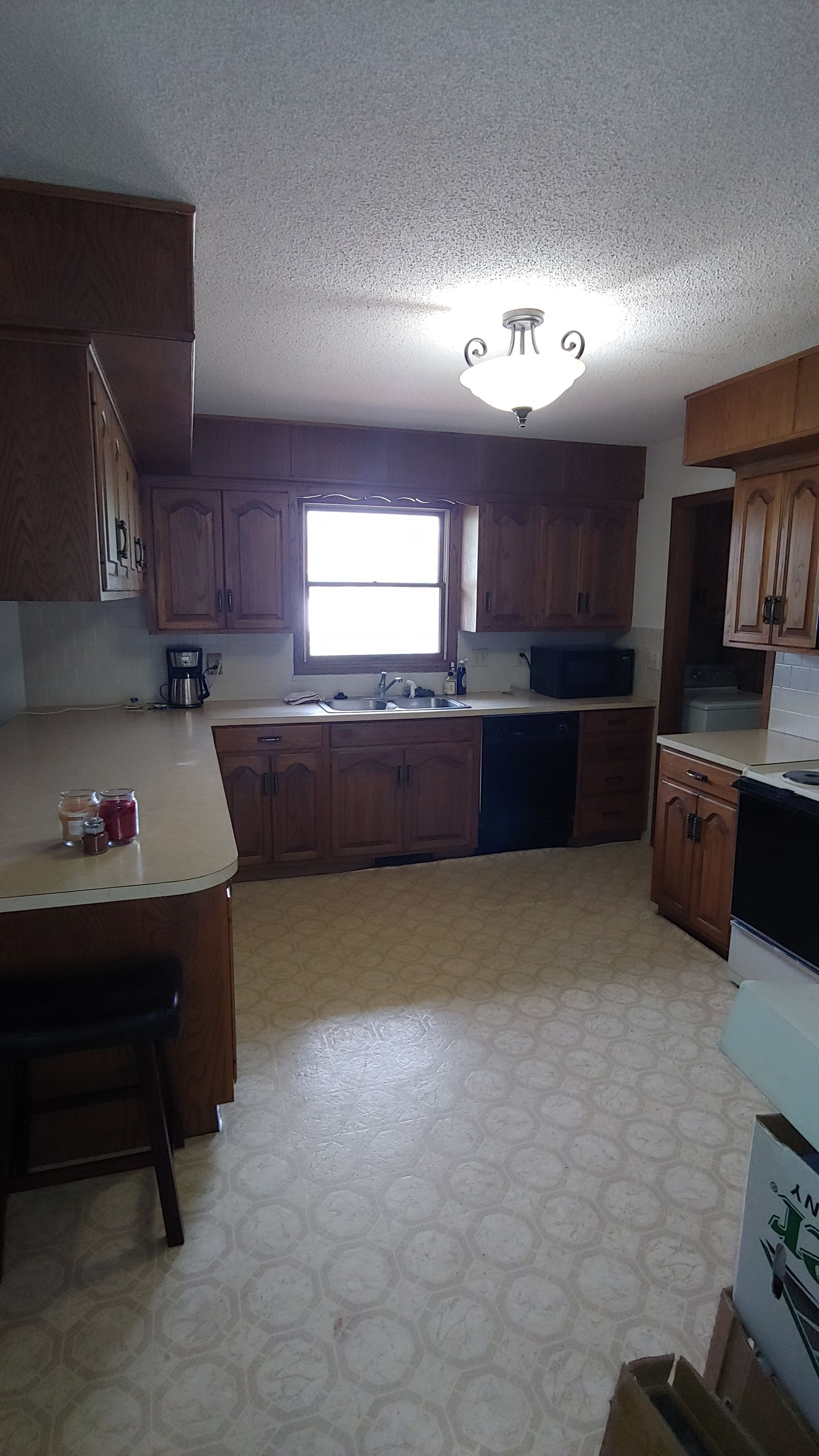 Item 21 in Real Estate and Personal Property Auction gallery
