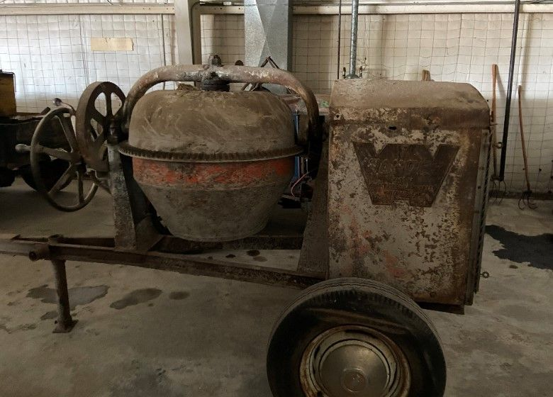 Item 72 in Personal Property Auction gallery