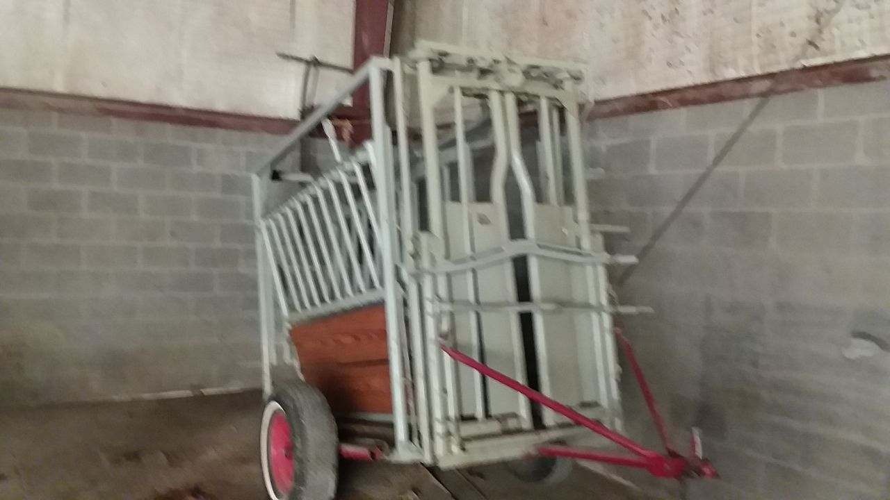 Item 70 in FARM MACHINERY AUCTION gallery
