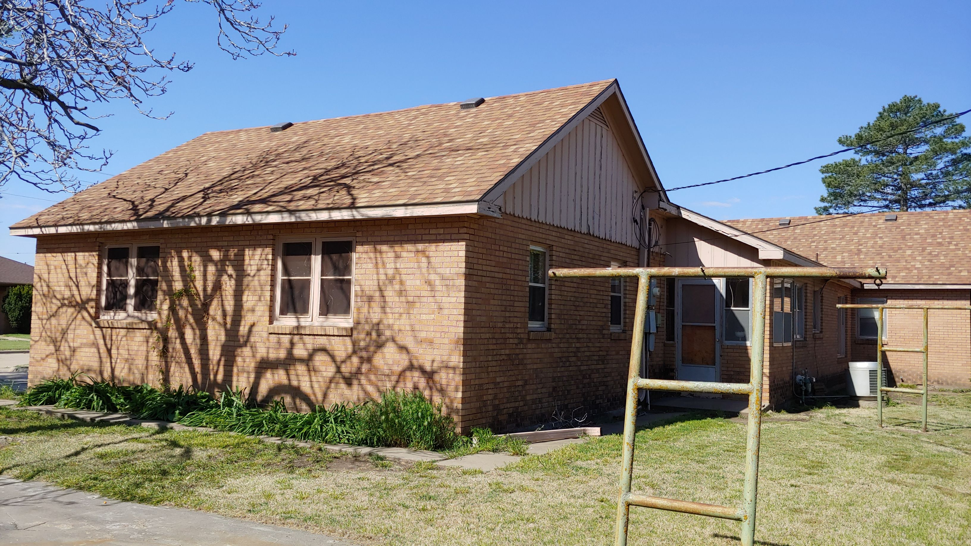 Item 8 in Real Estate and Personal Property Auction gallery