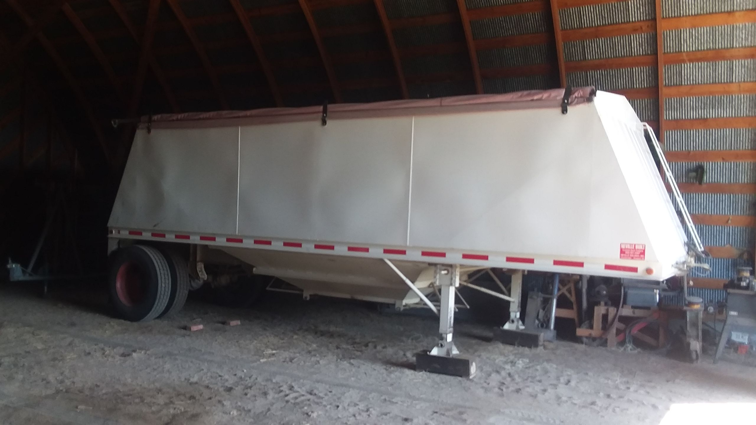 Item 5 in FARM MACHINERY AUCTION gallery