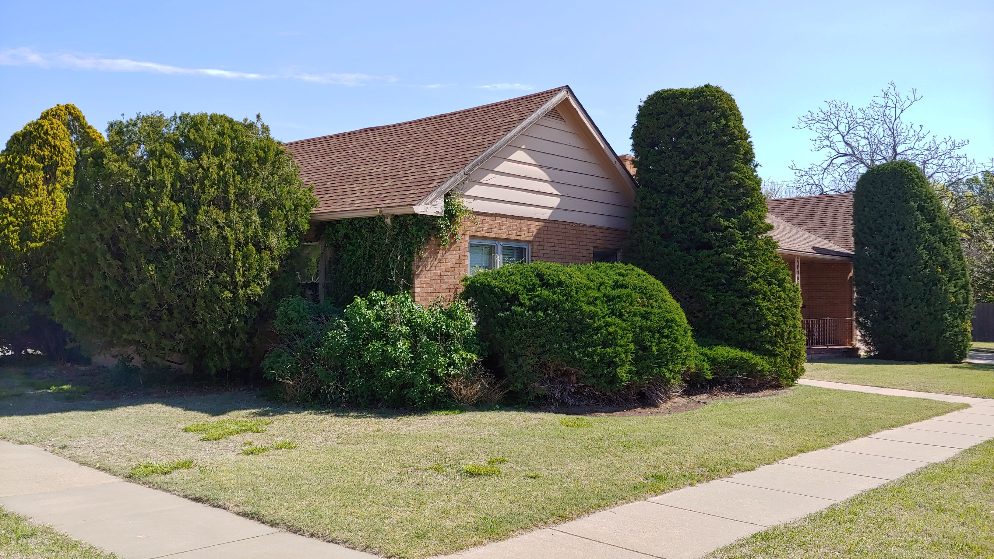 Item 32 in Real Estate and Personal Property Auction gallery