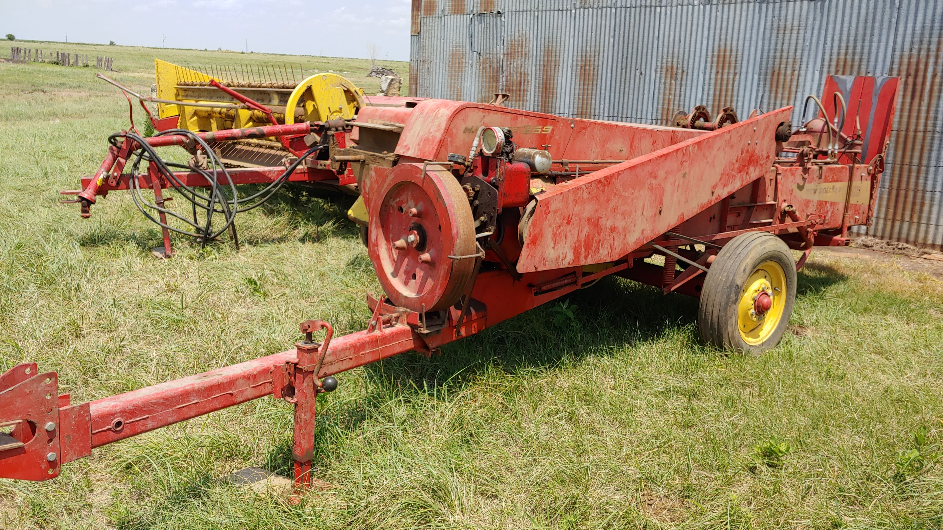 Item 18 in FARM MACHINERY AUCTION gallery