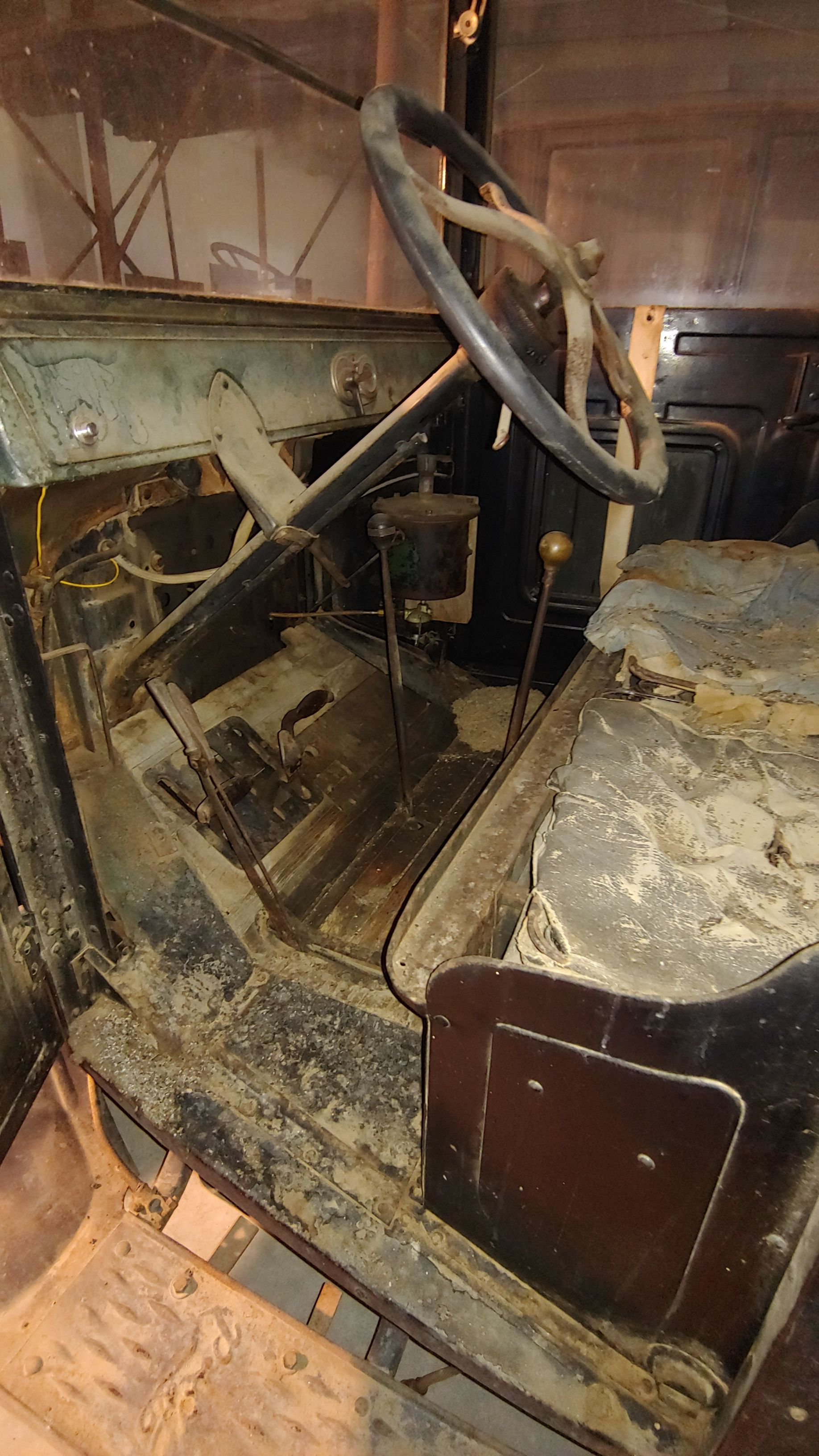 Item 11 in Personal Property Auction gallery