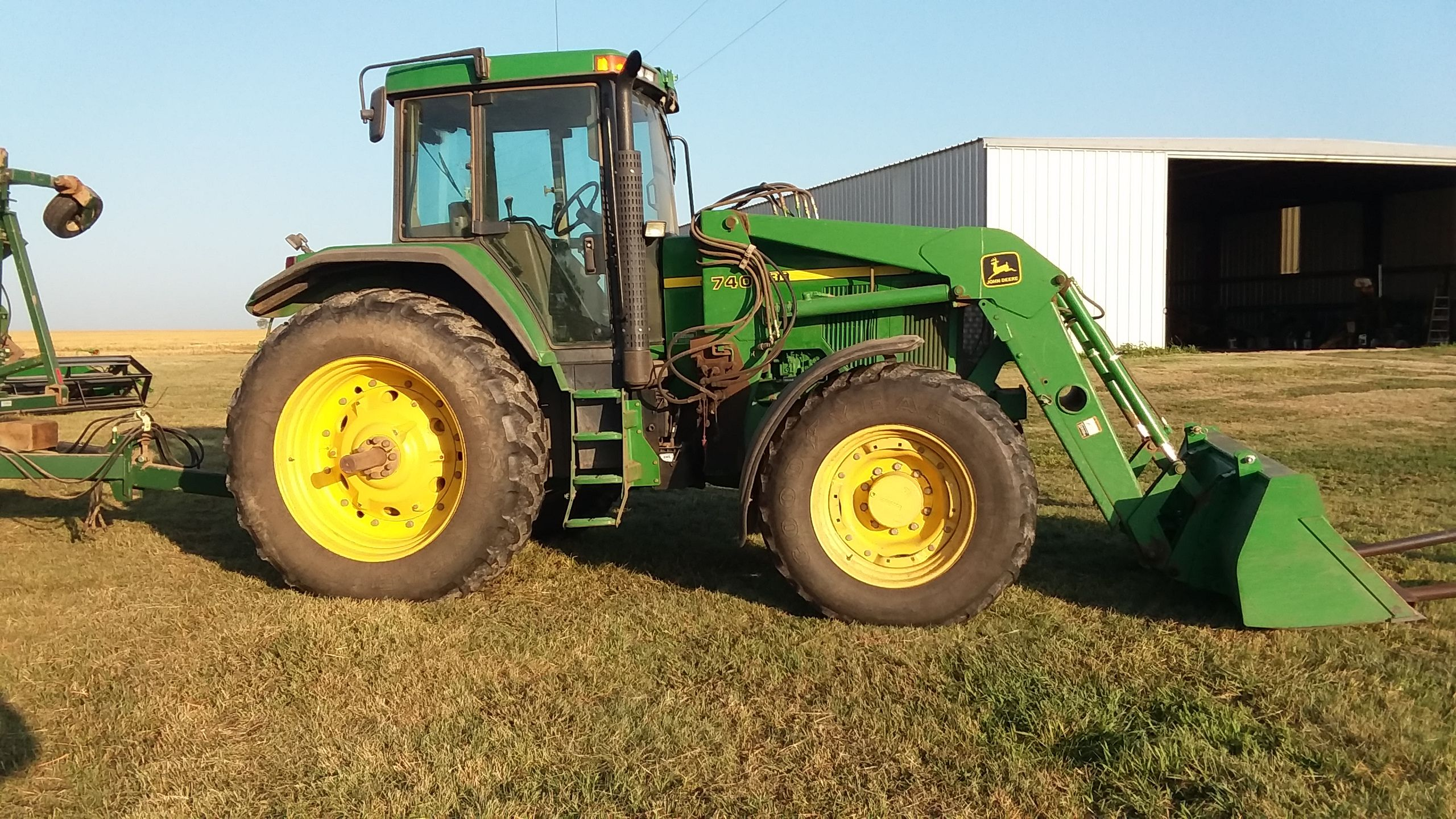 Item 22 in FARM MACHINERY AUCTION gallery