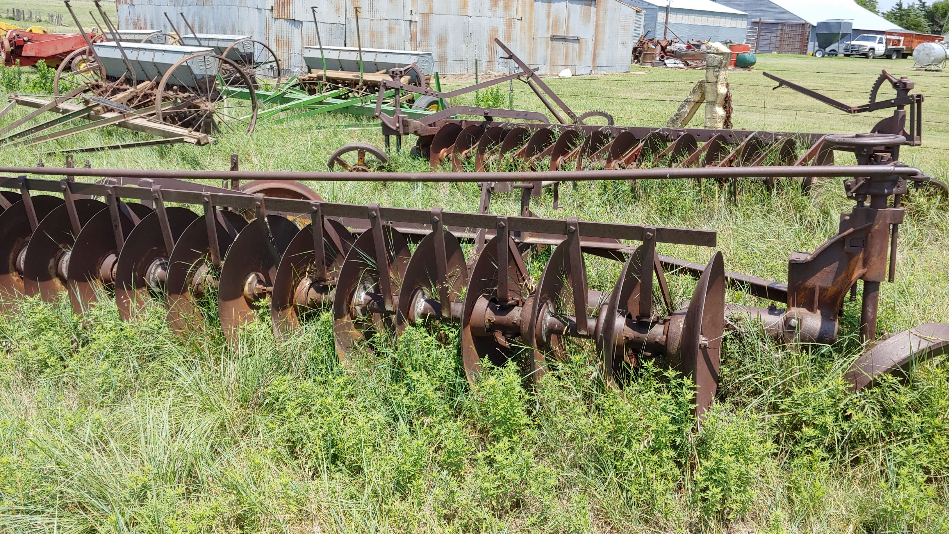 Item 31 in FARM MACHINERY AUCTION gallery