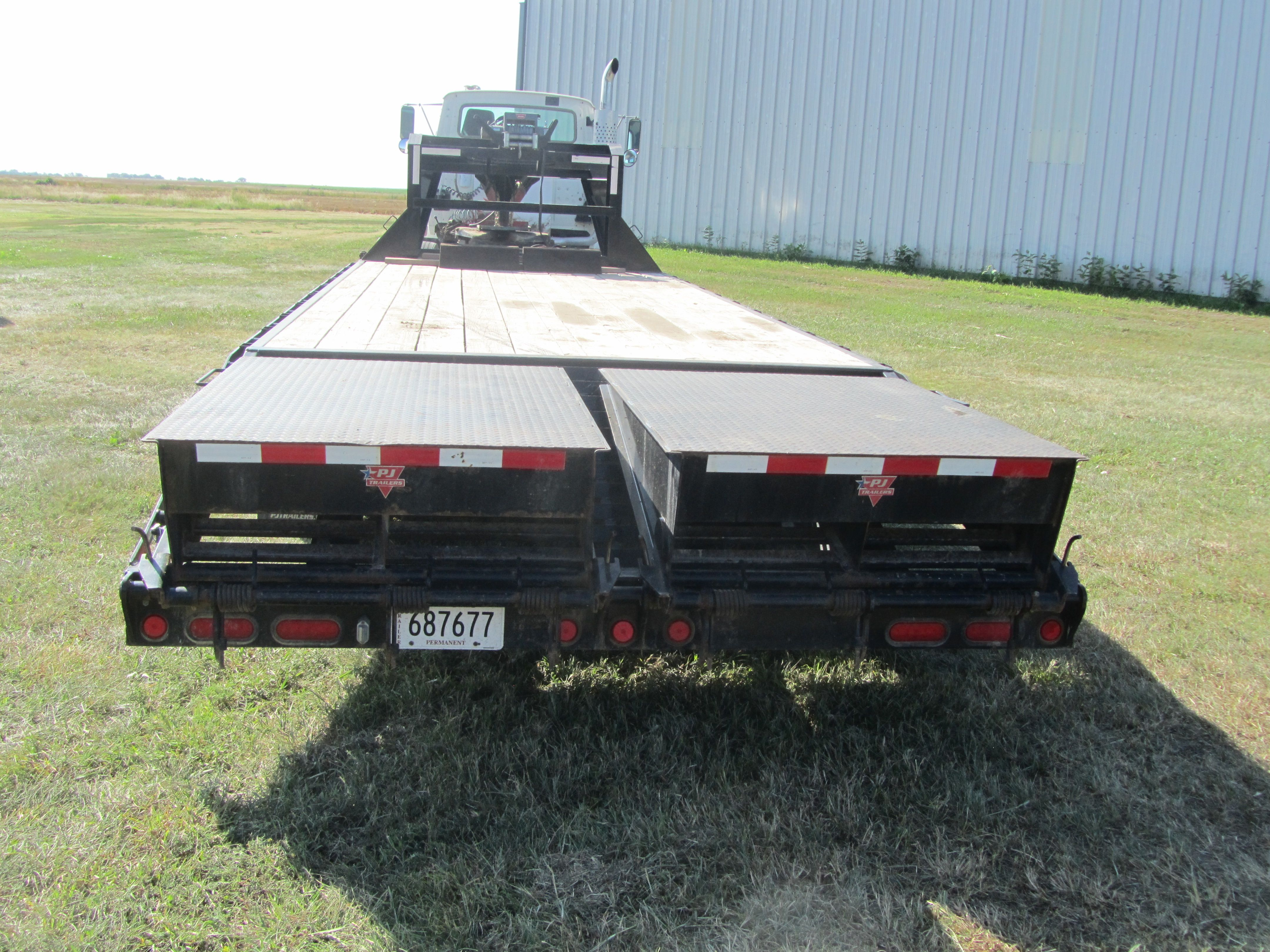 Item 30 in FARM MACHINERY AUCTION gallery