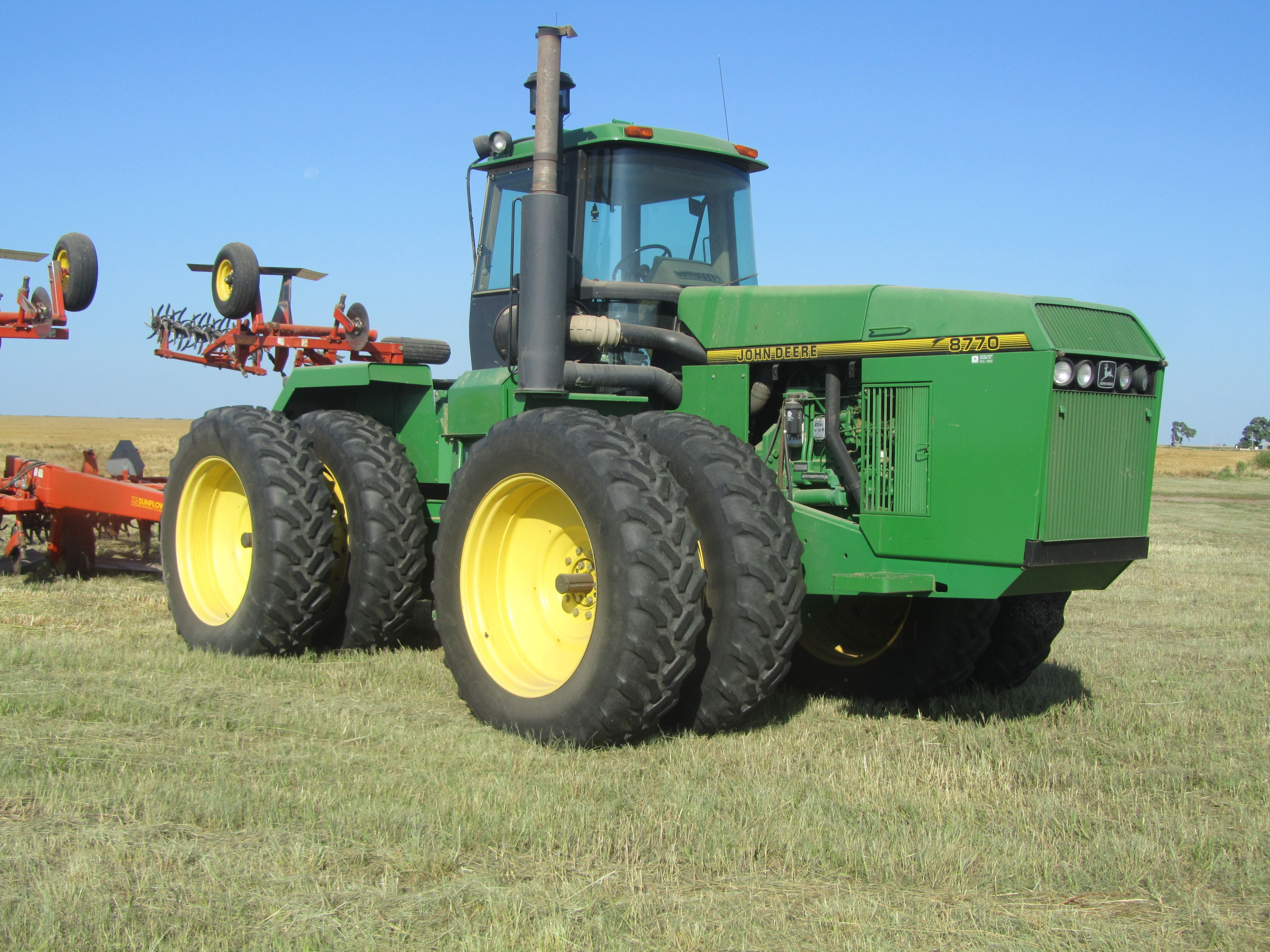 Item 10 in FARM MACHINERY AUCTION gallery