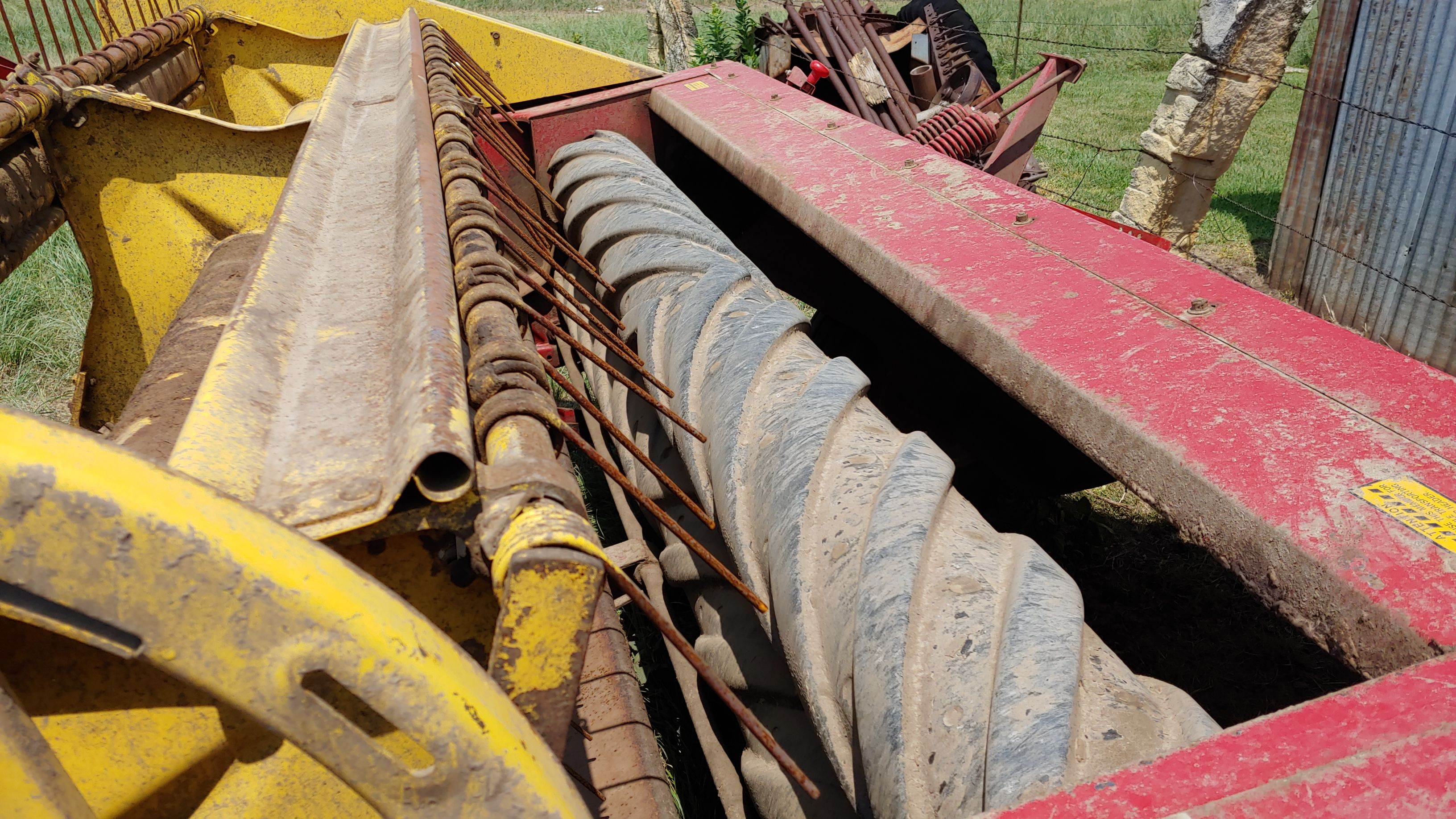 Item 100 in FARM MACHINERY AUCTION gallery