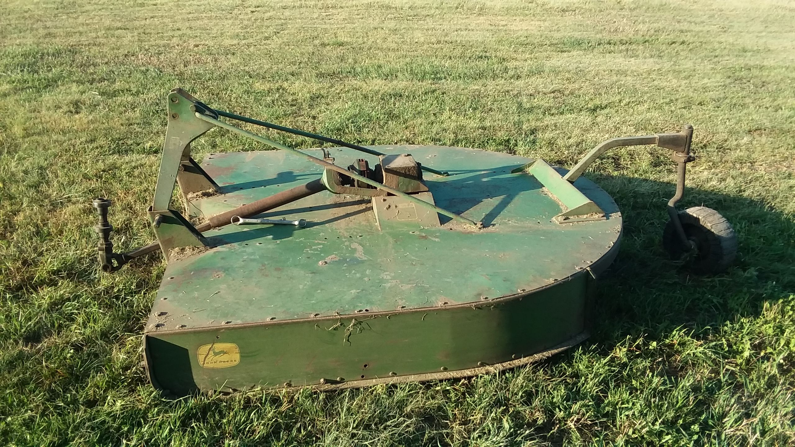 Item 34 in FARM MACHINERY AUCTION gallery
