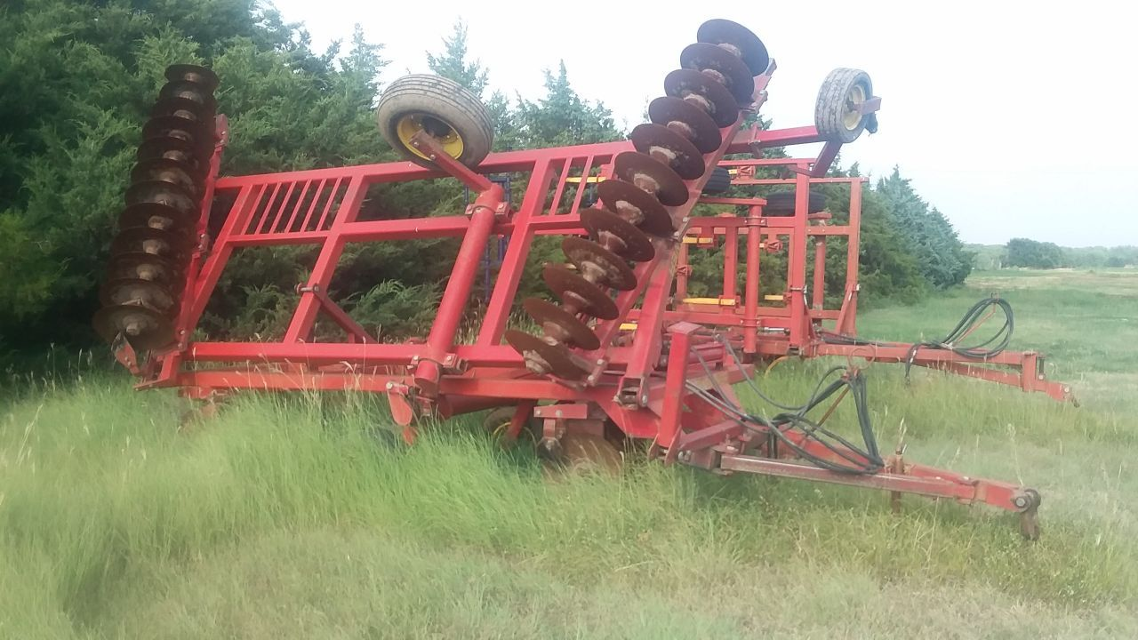 Item 63 in FARM MACHINERY AUCTION gallery